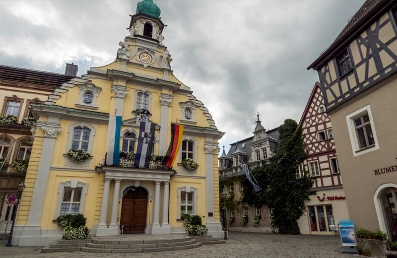 Altbau Rathaus in einer Stadt